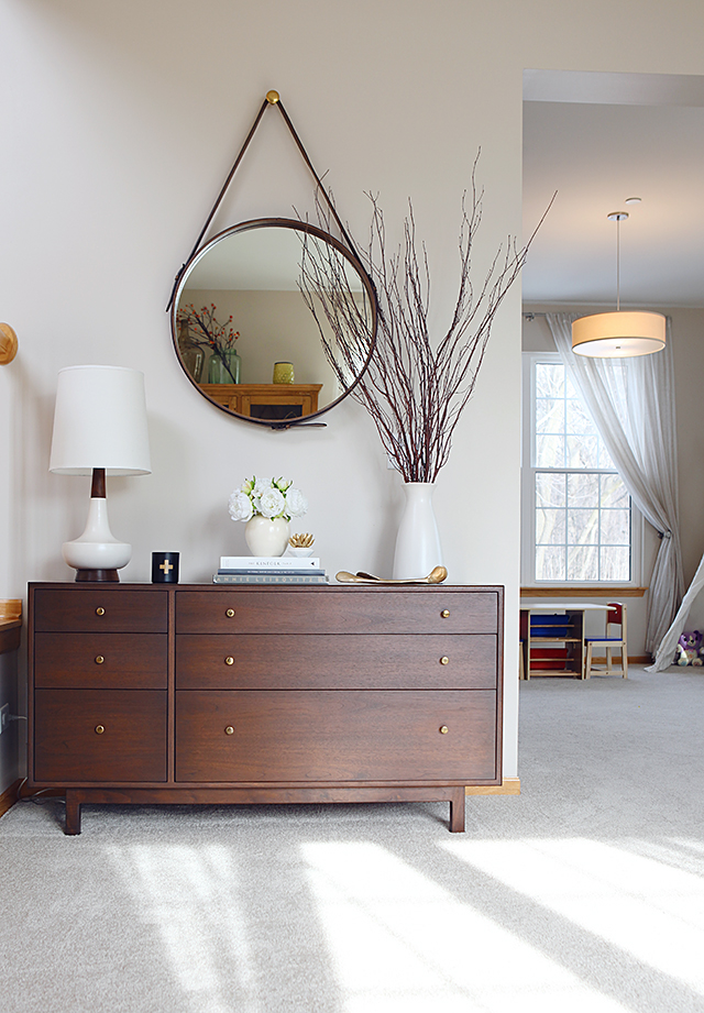 7 Tips to Buying Vintage - Wooden Furniture Mid Century Modern Dresser