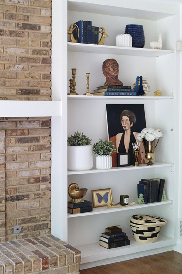 Blogger Stylin Home Tour - Summer Edition - how to style your shelves and built-ins