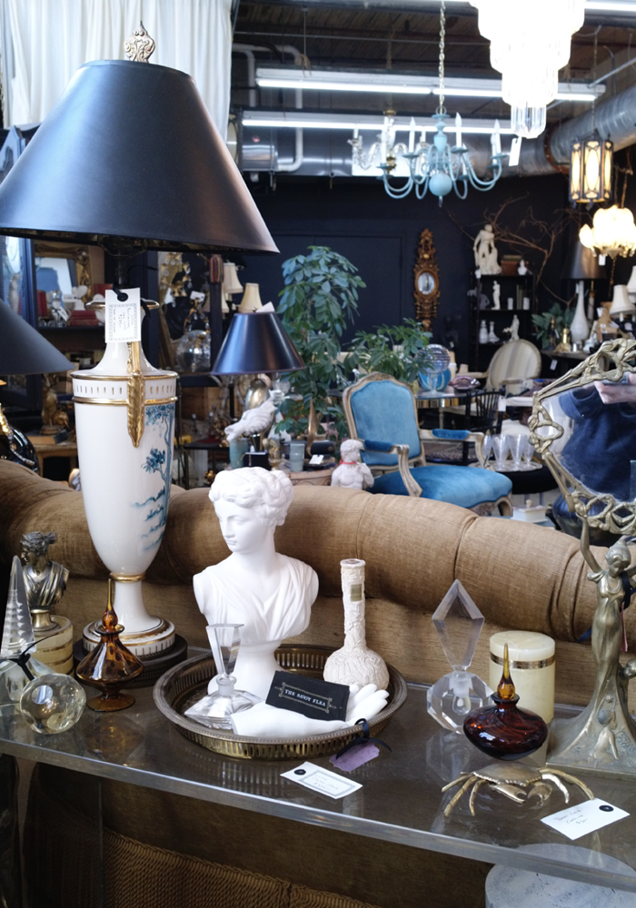 The ultimate guide to shopping vintage in Chicago.